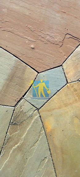 Outdoor Pavers Dandenong : Bluestone tiles cleaning and sealing services